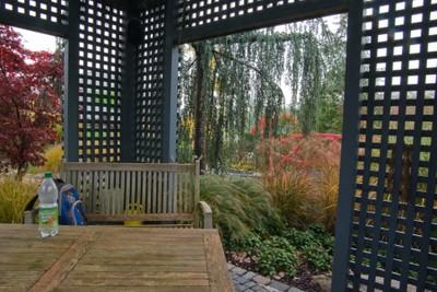 Gartenlaube als Terrasse